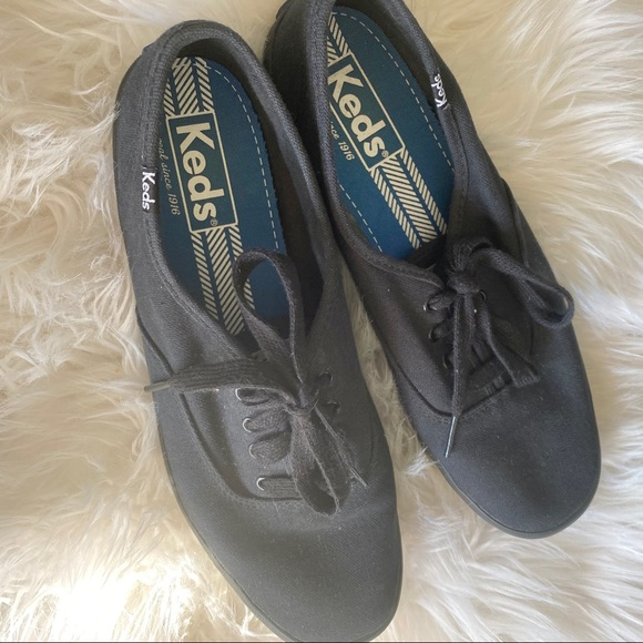 Keds black women's 9.5 sneakers